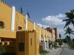 20080727010301-cuartel-moncada-cuba.jpg