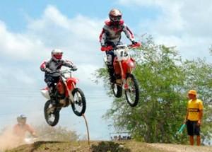 20130904065822-motocross-300x215.jpg